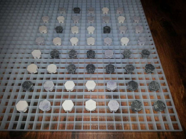 Lichtrasterplatte Bundle + 50 Stück Frag Plugs Ablegersteine