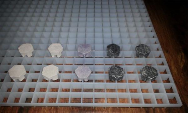 Lichtrasterplatte Bundle + 10 Stück Frag Plugs Ablegersteine